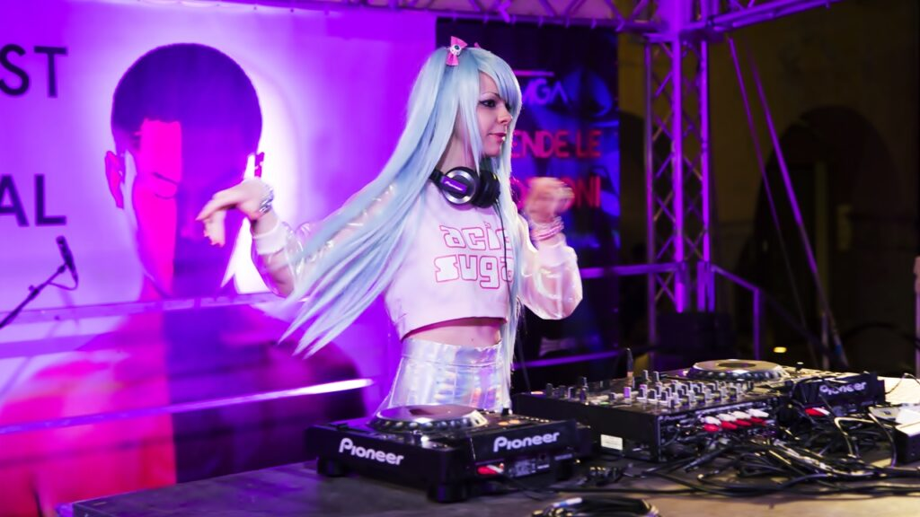 kellyhilltone-kelly-hill-tone-dj-cosplayer-far-east-film-festival-2018-1-1024x576 ABOUT ME